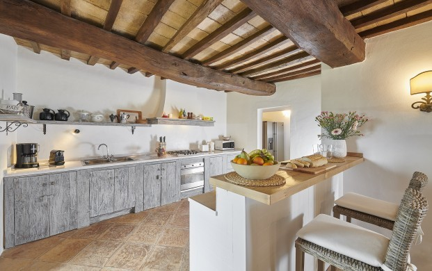 Italy:Umbria:Perugia:ITPG01_VillaGina:kitchen11.jpg