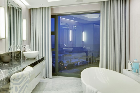 SouthAfrica:CapeTown:CBViews_VillaBliss:bathroom.jpg