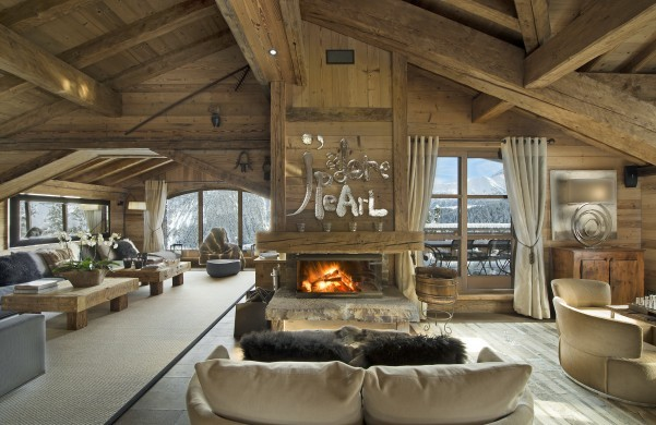 France:Courchevel:ChaletPearl_ChaletPapillon:livingroom.jpg
