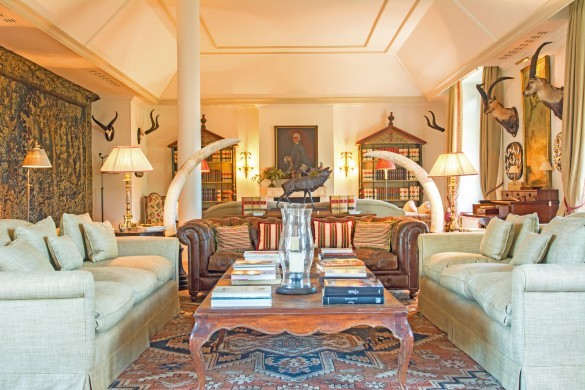 Spain:Cordoba:CountryHouseCordoba_EsmieEstate:livingroom4348.jpg