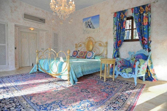 Spain:Ibiza:CanArte_VillaAlma:bedroom20.jpg