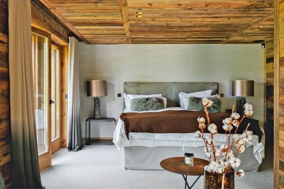 France:Megeve:ChaletNoma_ChaletNellie:bedroom47.jpg