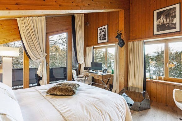 Switzerland:St. Moritz:CasaLeopardo_VillaLeontine:bedroom58.jpg