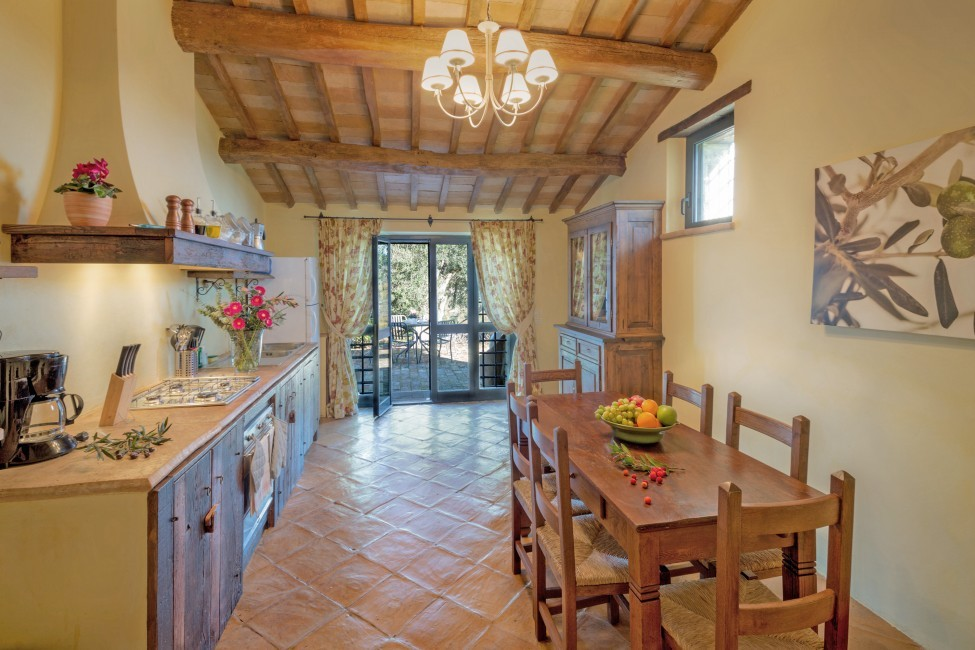 Italy:Umbria:Perugia:ITPG01_VillaGina:kitchen01.jpg