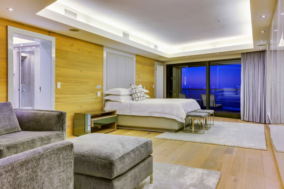 SouthAfrica:CapeTown:CBViews_VillaBliss:bedroom.jpg