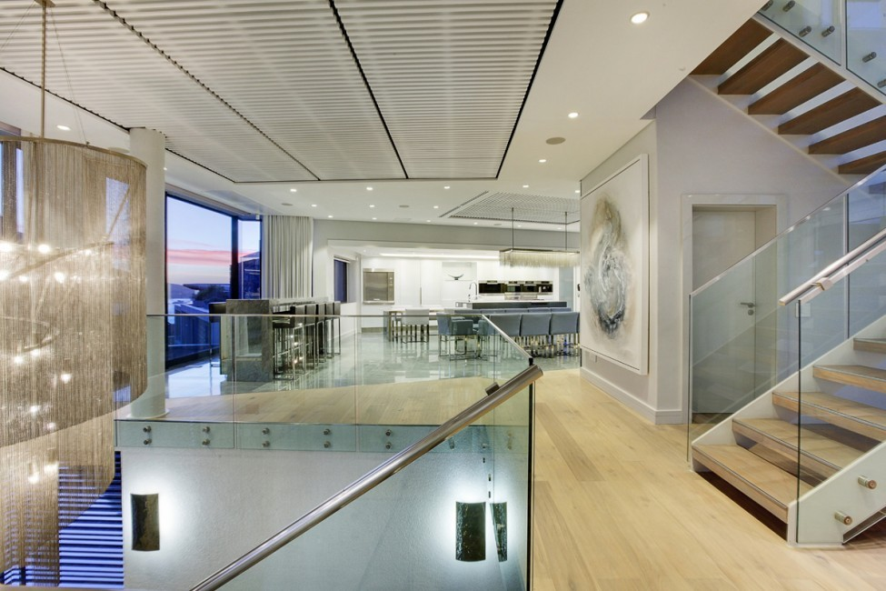 SouthAfrica:CapeTown:CBViews_VillaBliss:interior2.jpg