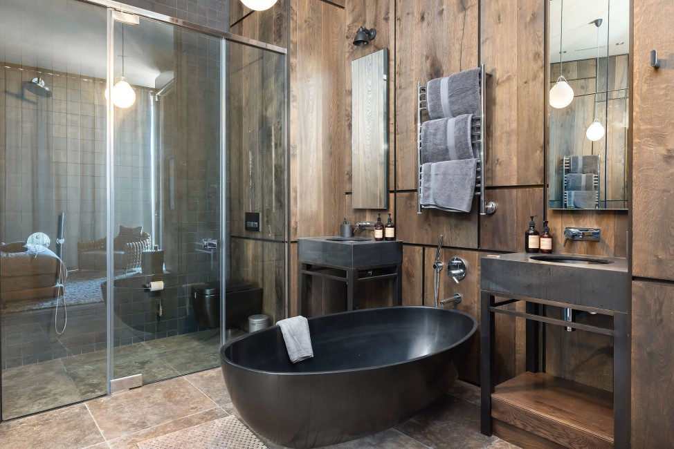 SouthAfrica:CapeTown:KloofRoad_VillaOceania:bathroom2.jpg
