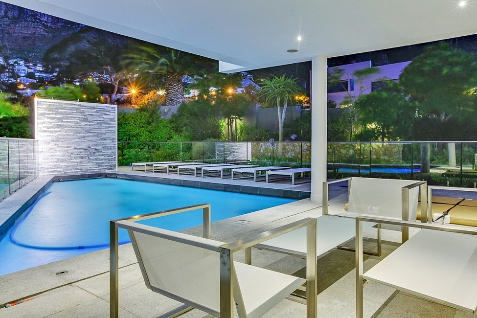 SouthAfrica:CapeTown:CBViews_VillaBliss:pool.jpg