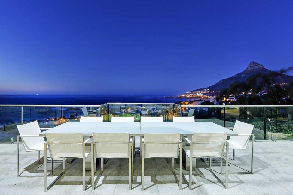SouthAfrica:CapeTown:CBViews_VillaBliss:balcony1.jpg