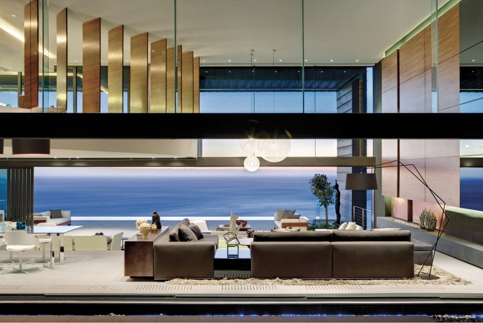 SouthAfrica:CapeTown:No5_VillaNelly:livingroom1432.jpg