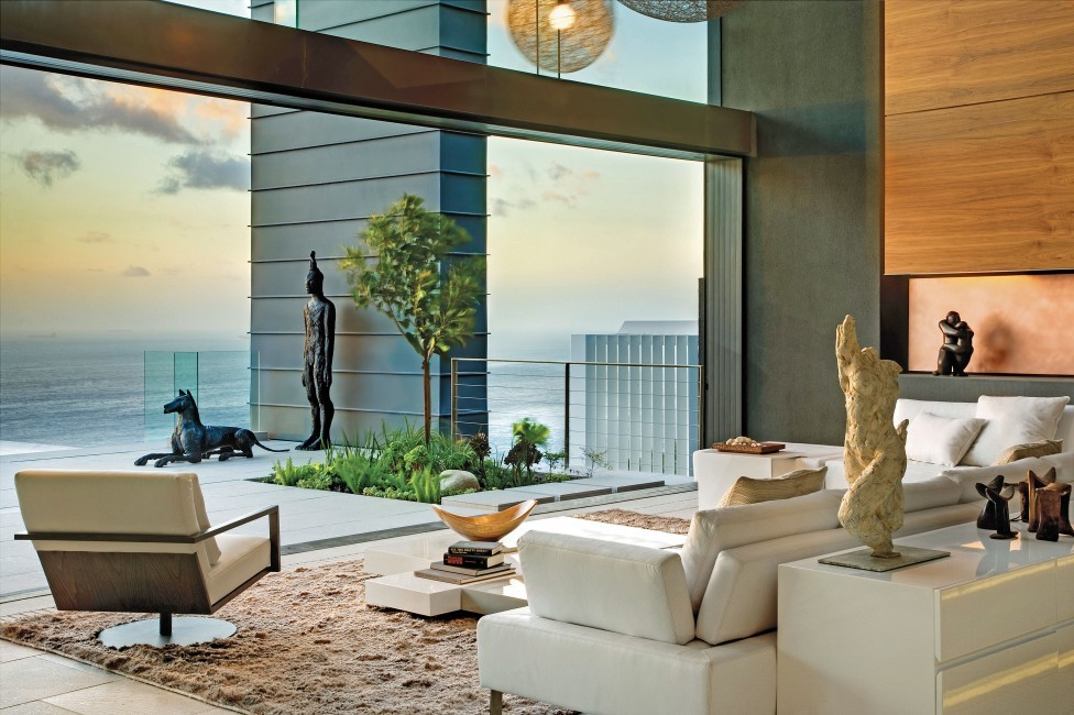 SouthAfrica:CapeTown:No5_VillaNelly:livingroom47.jpg