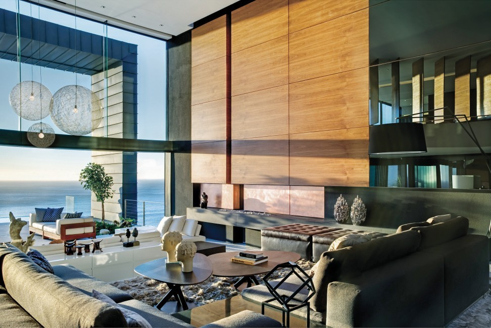SouthAfrica:CapeTown:No5_VillaNelly:livingroom35.jpg
