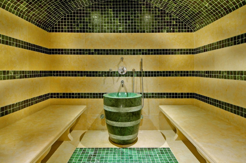 France:Courchevel:ChaletPearl_ChaletPapillon:hammam.JPG