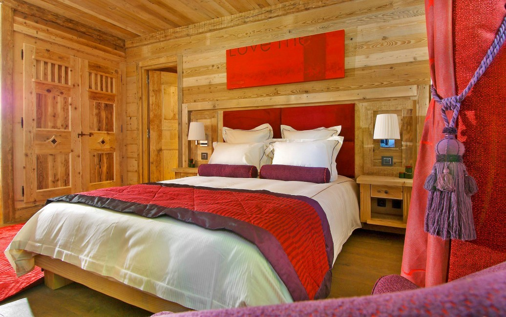 France:Courchevel:ChaletPearl_ChaletPapillon:bedroom4.jpg