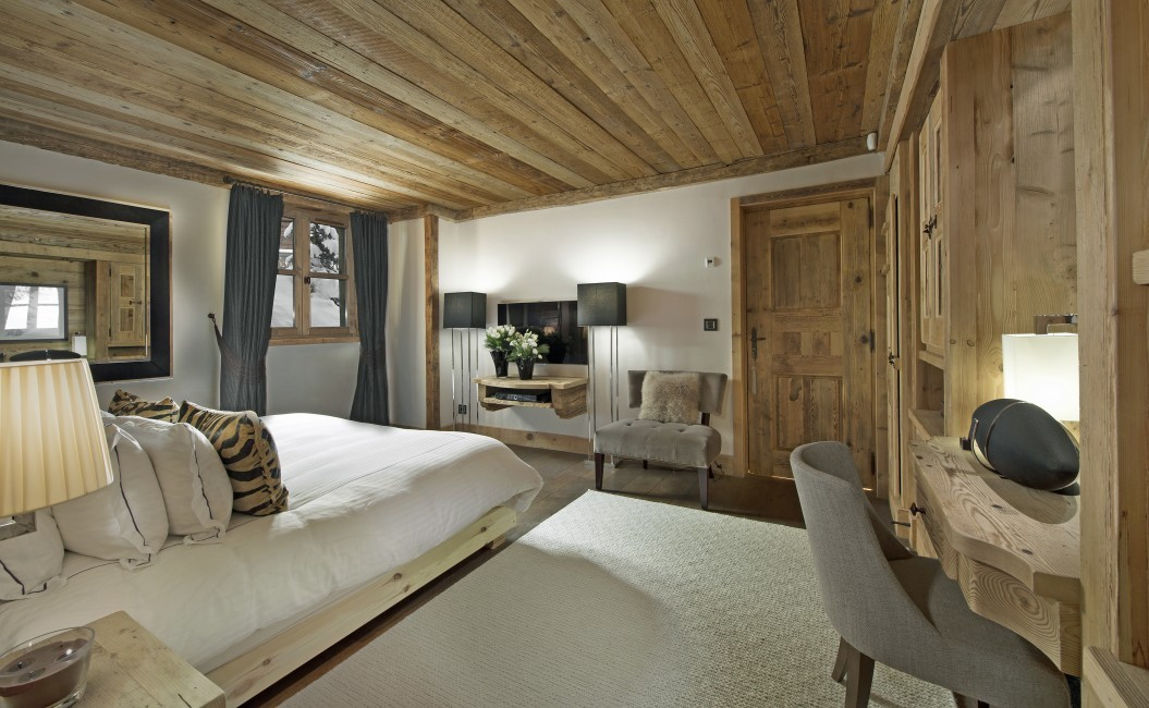 France:Courchevel:ChaletPearl_ChaletPapillon:bedroom3.jpg