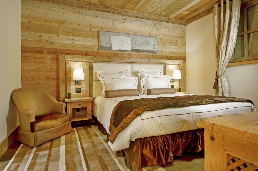 France:Courchevel:ChaletPearl_ChaletPapillon:bedroom5.jpg