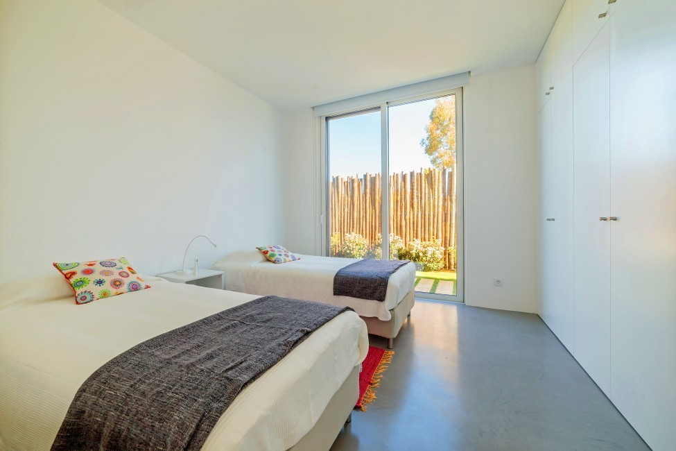 Portugal:Comporta:BrejosVilla_VillaBelinha:bedroom9987.jpg
