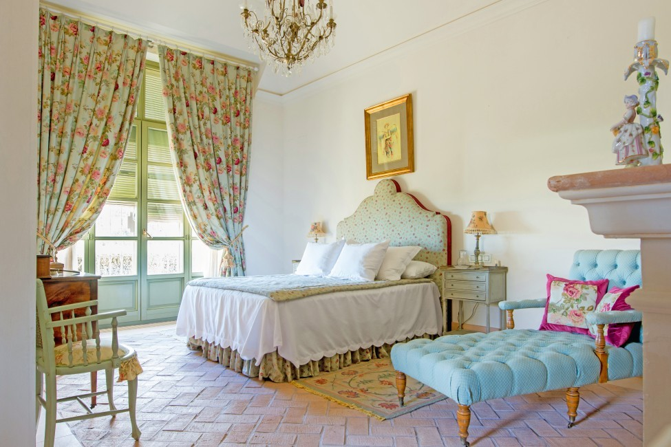 Spain:Cordoba:EsmieEstate:bedroom62.jpg