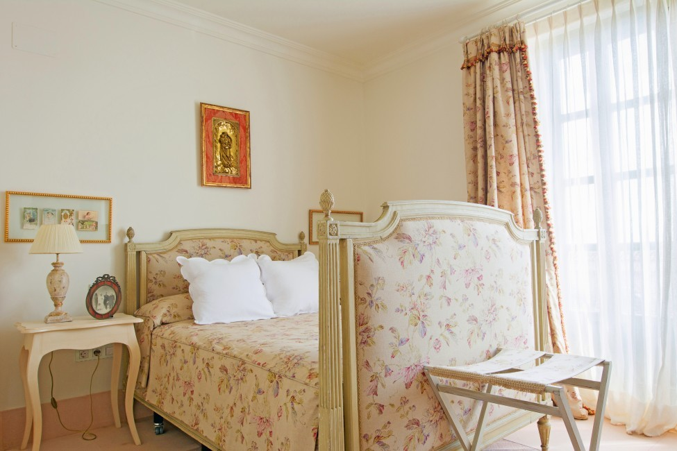 Spain:Cordoba:CountryHouseCordoba_EsmieEstate:bedroom4163.jpg