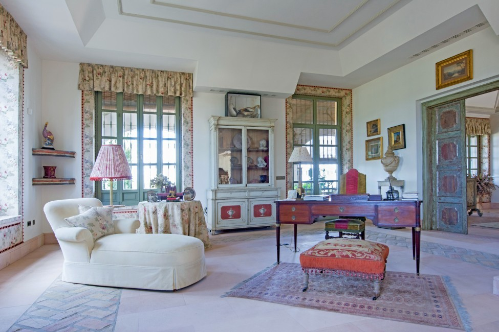 Spain:Cordoba:CountryHouseCordoba_EsmieEstate:livingroom44.jpg