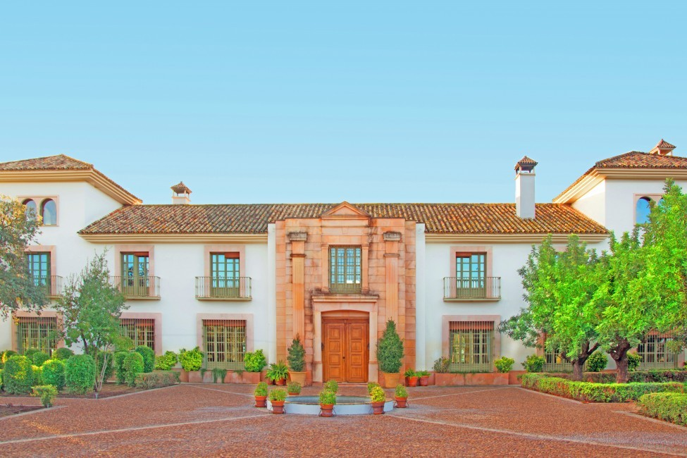 Spain:Cordoba:CountryHouseCordoba_EsmieEstate:facade02.jpg