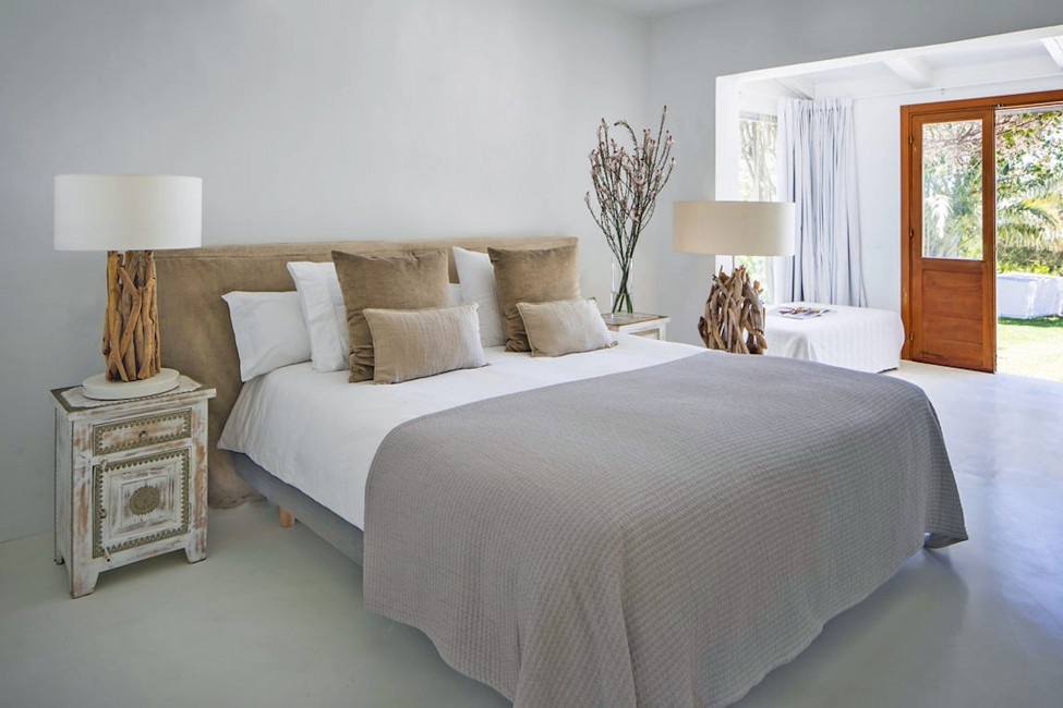 Spain:Ibiza:ElZafiro_VillaLaPerla:bedroom28.jpg