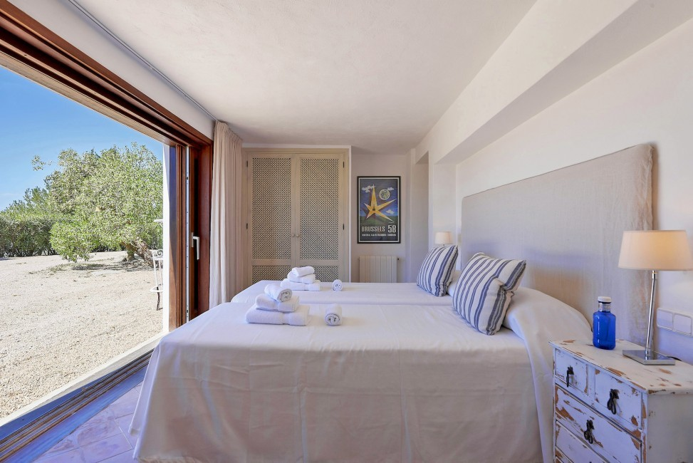 Spain:Ibiza:CanPaola_VillaPalmira:bedroom69.jpg