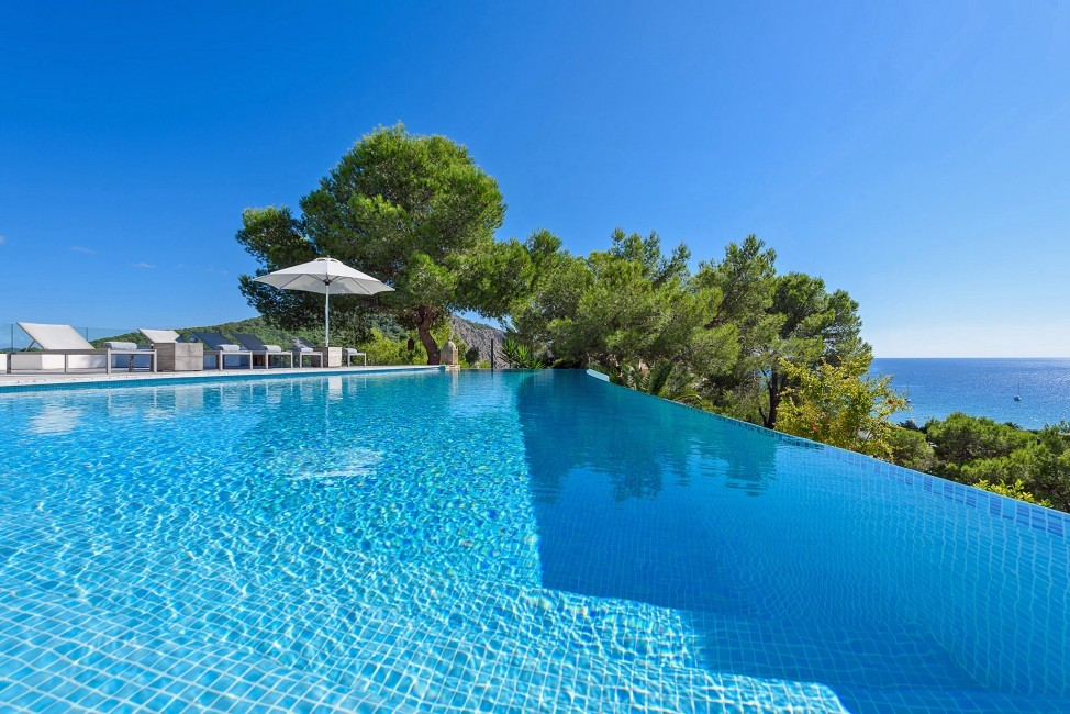 Spain:Ibiza:CasaBlancaJondal_VillaBianca:pool6.jpg