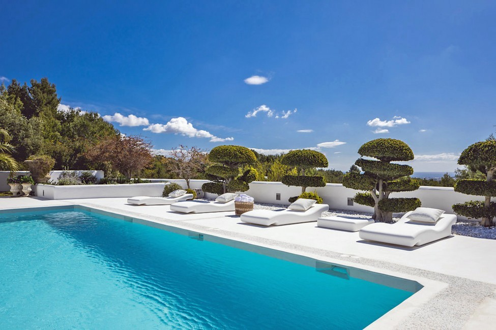 Spain:Ibiza:ElZafiro_VillaLaPerla:pool84.jpg