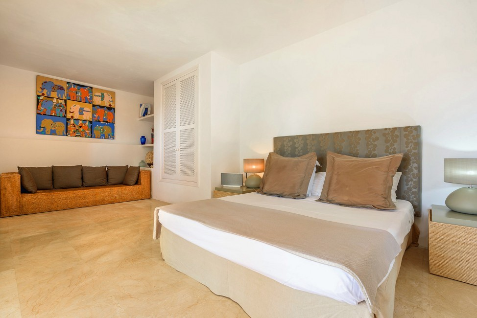 Spain:Ibiza:CasaBlancaJondal_VillaBianca:bedroom43.jpg