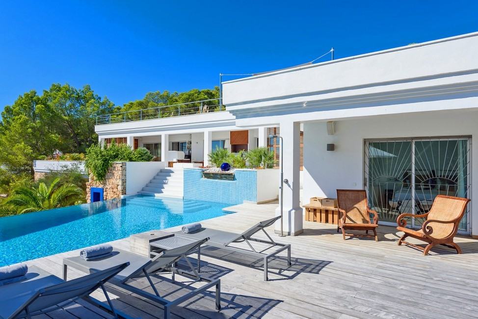 Spain:Ibiza:CasaBlancaJondal_VillaBianca:pool2.jpg