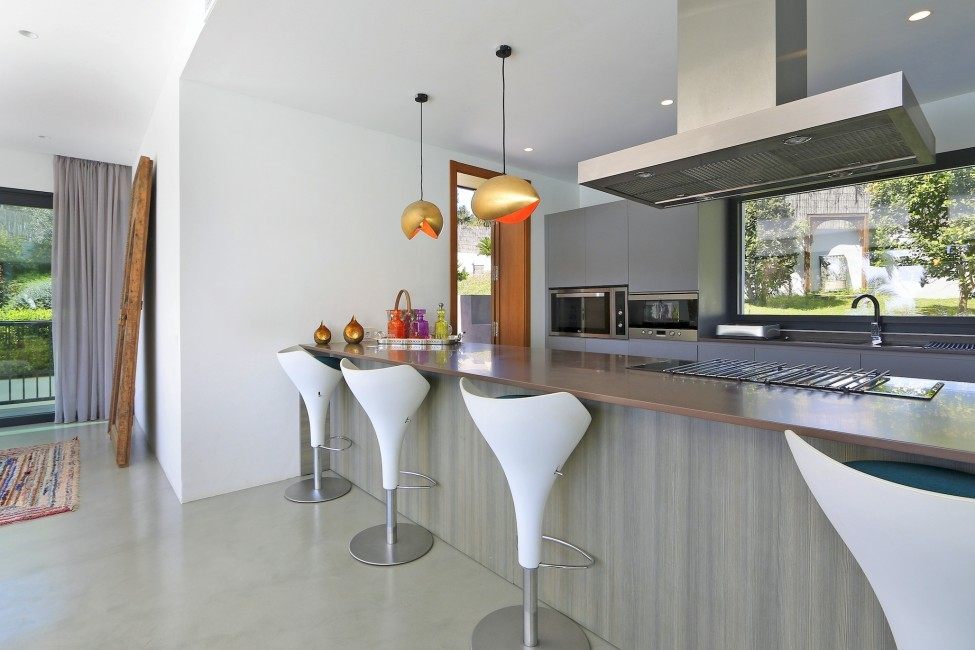 Spain:Ibiza:CanLuisa_VillaLuisina:kitchen10.JPG