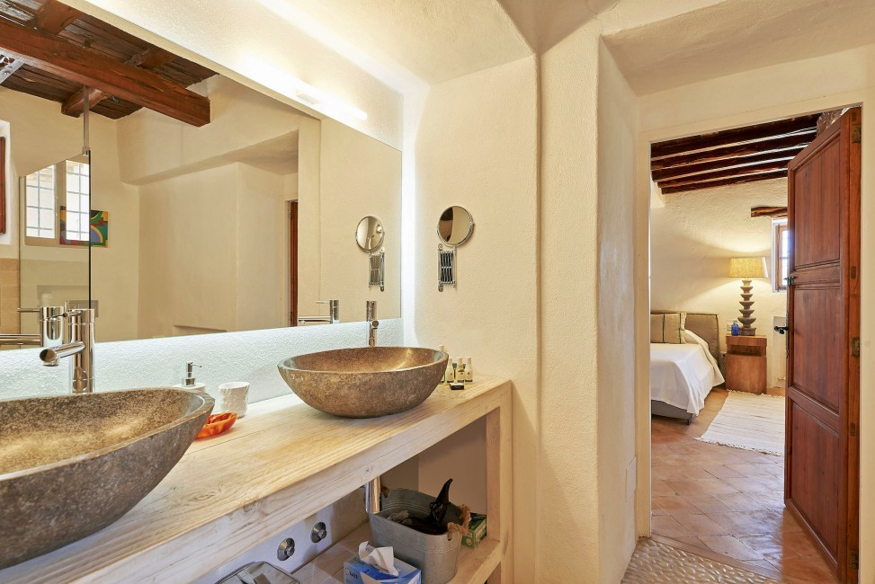Spain:Ibiza:CanPaola_VillaPalmira:bathroom51.jpg