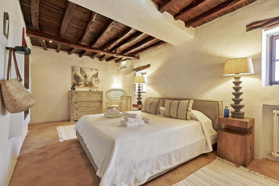 Spain:Ibiza:CanPaola_VillaPalmira:bedroom47.jpg
