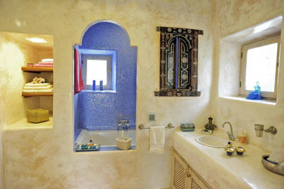 Spain:Ibiza:CanArte_VillaAlma:bathroom7.jpg
