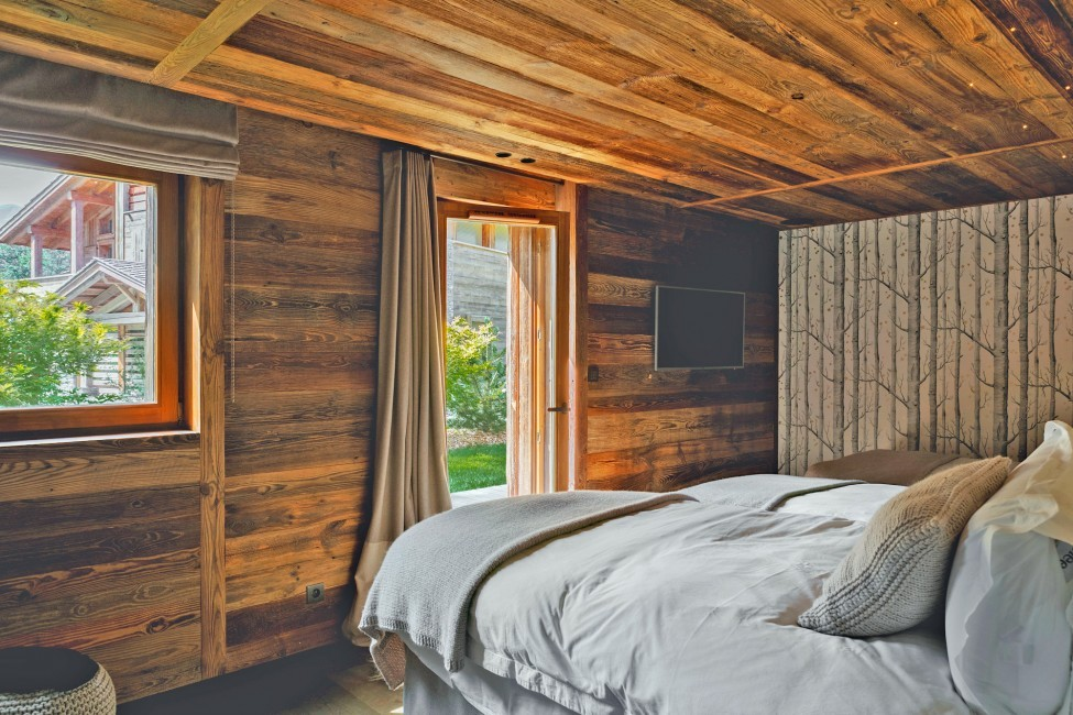 France:Megeve:ChaletNoma_ChaletNellie:bedroom2.jpg