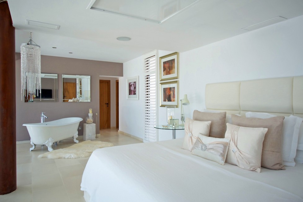 Spain:Ibiza:SanLorenzoDeluxe_VillaDolores:bedroom36.jpg