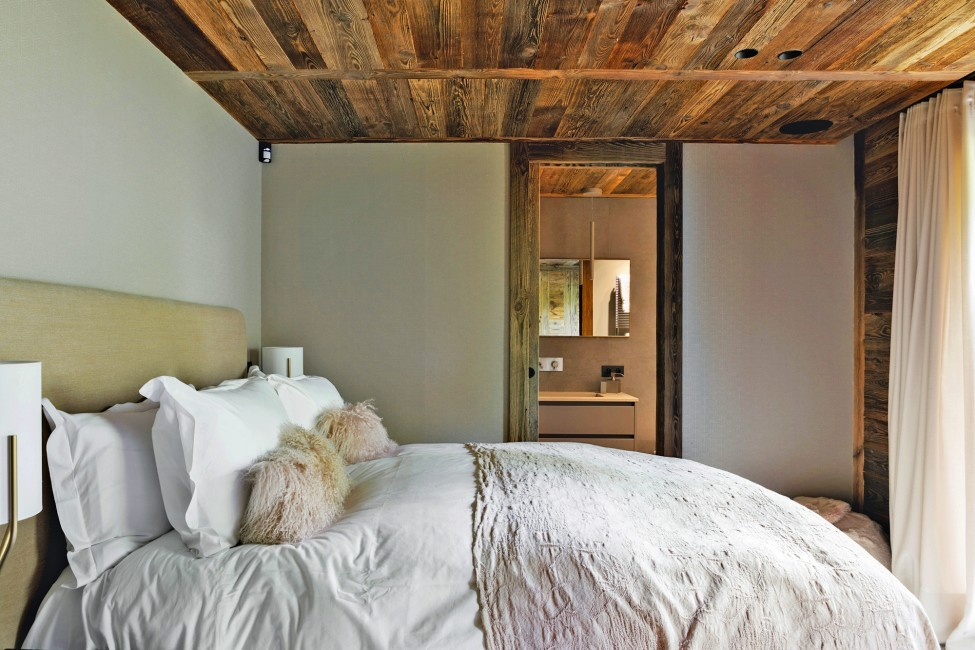 France:Megeve:ChaletNoma_ChaletNellie:bedroom34.jpg