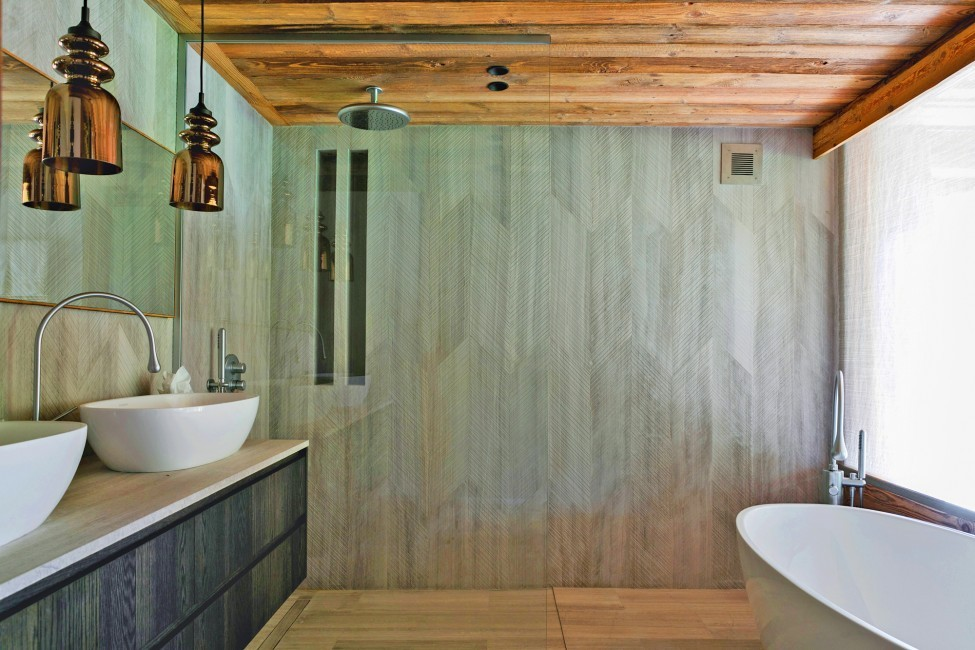 France:Megeve:ChaletNoma_ChaletNellie:bathroom235.jpg