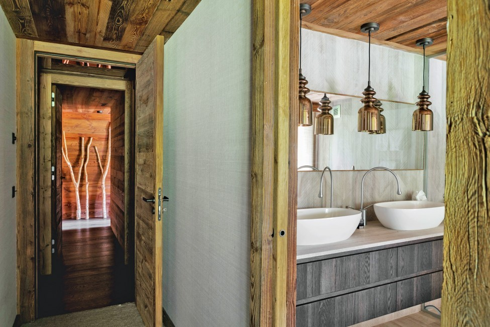 France:Megeve:ChaletNoma_ChaletNellie:bathroom237.jpg
