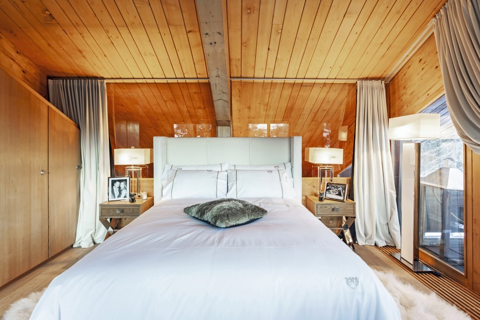 Switzerland:St. Moritz:CasaLeopardo_VillaLeontine:bedroom60.jpg